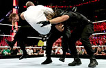 卫盾再次袭击凯恩《RAW 2014.3.18》