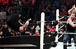 迪安·安布罗斯vs凯文·欧文斯《WWE2016皇家大战》