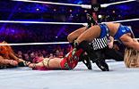 夏莎vs贝奇vs夏洛特《WWE2016摔角狂热大赛》