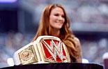 莉塔揭秘新版WWE女子冠军腰带《WWE2016摔角狂热大赛》新版