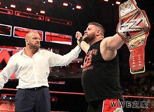 新任WWE全球冠军--凯文·欧文斯