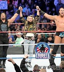 <b>WWE2016年12月16日《劳军演出》</b>