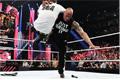 <b>洛克(The Rock)回归 WWE收视率提高25%</b>