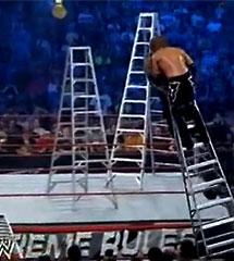 <b>WWE2013年7月14日【杰夫vs艾吉】梯子大战</b>