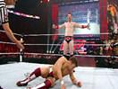 WWE经典大战史!辛卡拉首秀痛扁希莫斯vs丹尼尔布莱恩(2014.10.30期) - 狂野角斗士