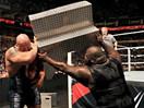 WWE世界最强壮男人大暴走!马克亨利铁梯狂砸虐人巨兽大秀哥-RAW摔角2014年11月