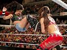 WWE女子撕衣-内衣肉搏赛:AJ女郎vs尼基贝拉&布里贝拉-RAW摔角2014年11月25日