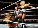 WWE夏洛特RAW首秀!首次登场大战娜达利娅(泰森基德)-RAW摔角2014年12月9日 - 狂野