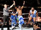 WWE科菲金士顿(大E兰斯顿&哈维尔伍兹)vs金粉人科迪罗兹(金人)-RAW摔角2014年