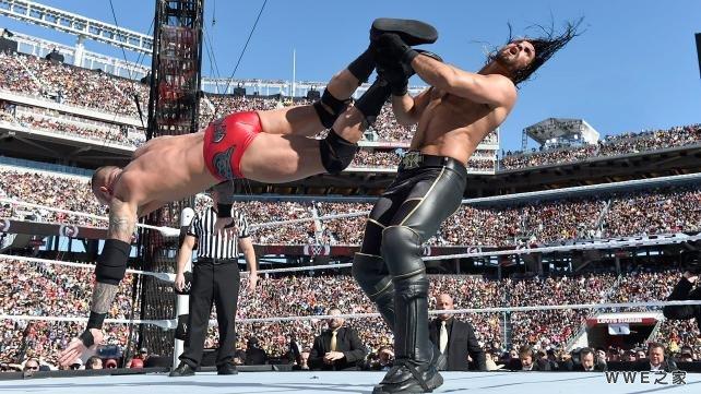 奥顿 vs 塞斯 罗林斯 WWE2015摔角狂热31 5