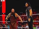 【中文解说】WWE罗门伦斯揍邪魔!罗曼雷恩斯强势出场穷追猛打布雷怀亚特(2