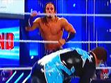 【中文解说】WWE高飞神君pk星尘!阿德里安vs科迪罗兹(2016.04.10) - wwe美国职业摔