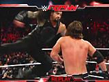 【中文官方解说】WWE罗门伦斯麒麟臂的威力!罗曼雷恩斯暴走超人重拳暴虐AJ斯