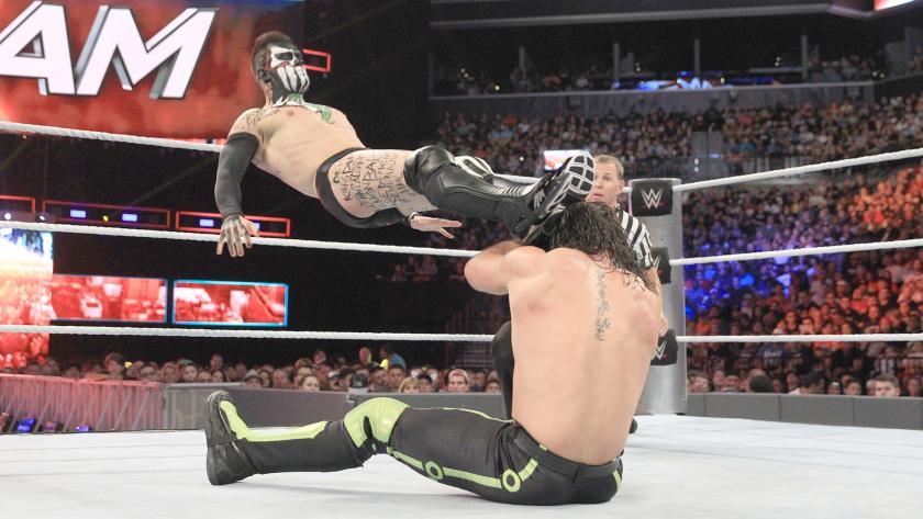 巴洛尔 vs 塞斯 罗林斯 WWE2016夏日狂潮 9